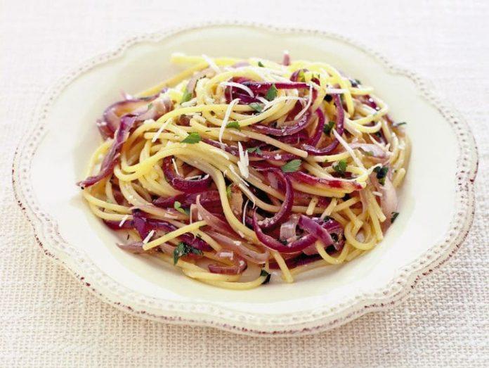 Spaghetti con la cipolla di Tropea