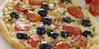 pizza con olive e capperi