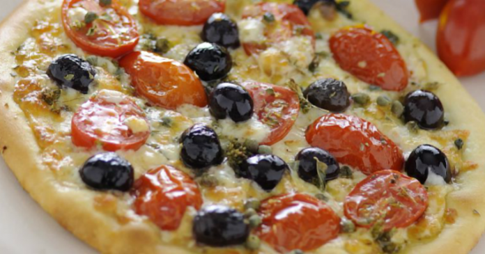 pizza con olive e capperi