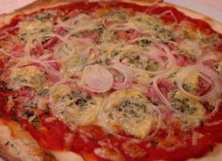 Pizza cipolle e gorgonzola