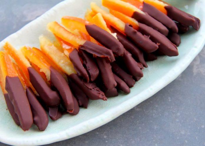 Bucce di arancia caramellate