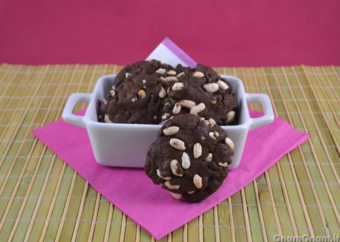 biscotti con riso soffiato e cacao